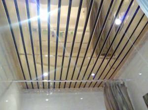 реечный алюминевый потолок