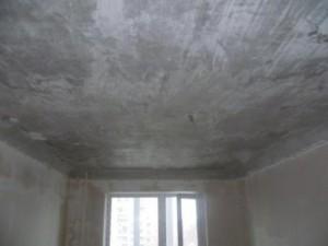 Как смыть побелку с потолка без грязи и пыли