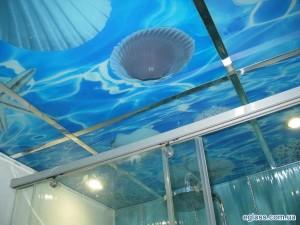 стеклянный потолок на морскую тему