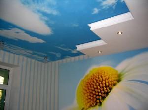 небо с облаками на потолке