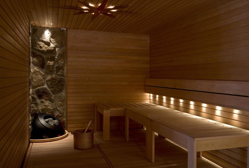 утеплить потолок в бане